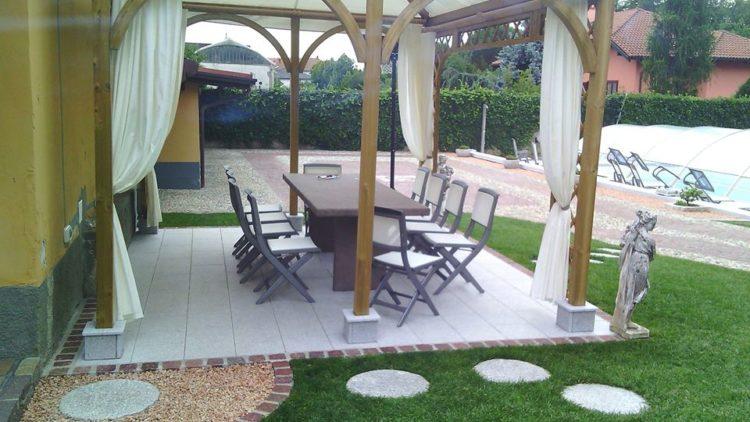 Gazebo con tavolo e pavimenti in pietra naturale garden & koi
